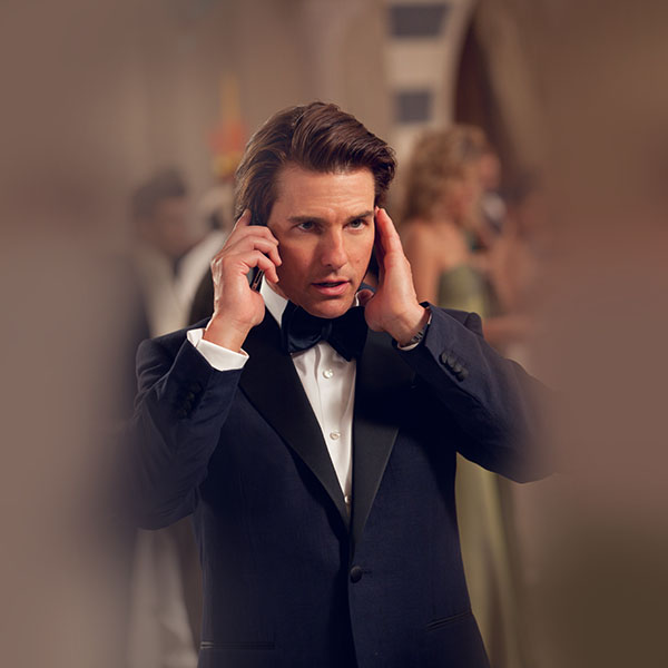 iPapers.co-Apple-iPhone-iPad-Macbook-iMac-wallpaper-hf96-mission-impossible-rogue-nation-tom-cruise-film-wallpaper