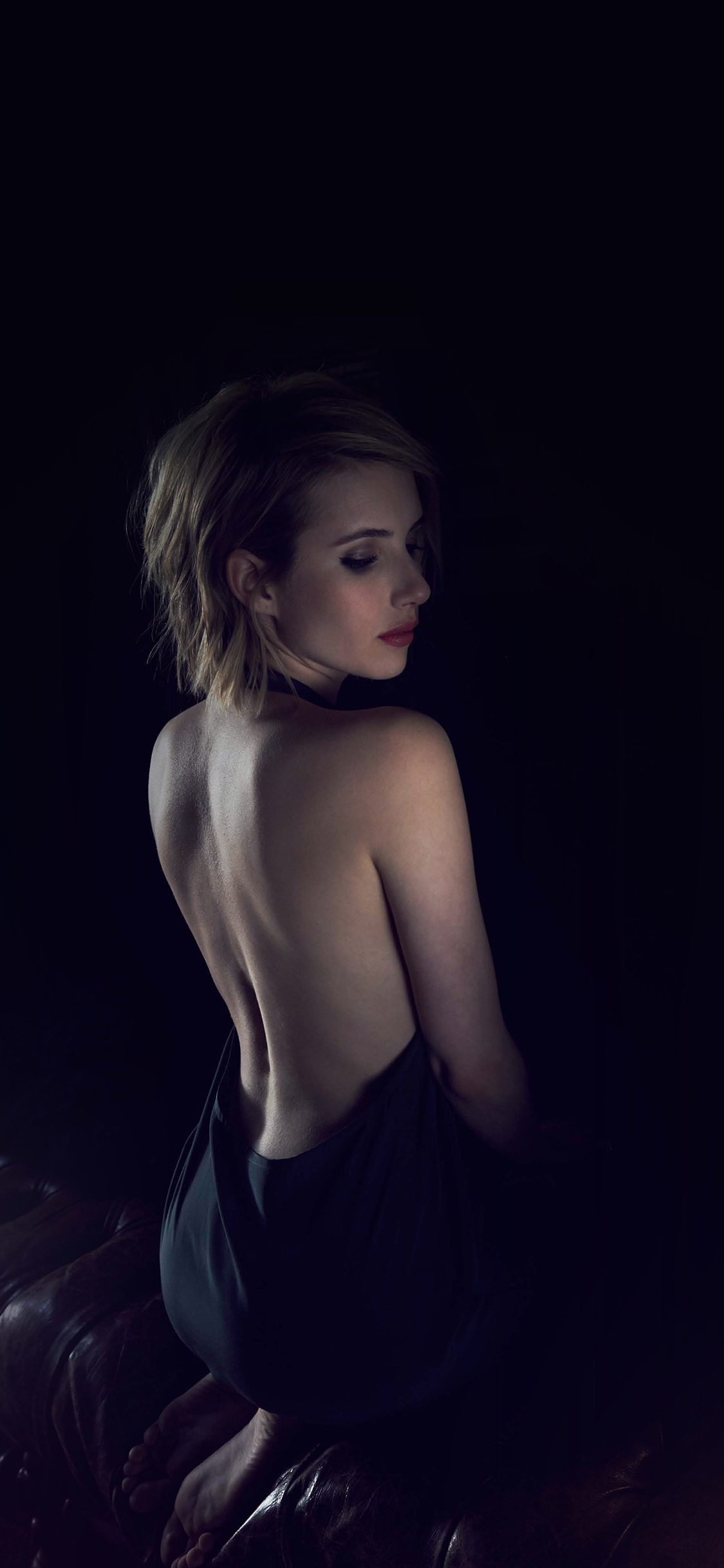 iPhoneXpapers.com-Apple-iPhone-wallpaper-hg21-emma-roberts-sexy-back-film-actress