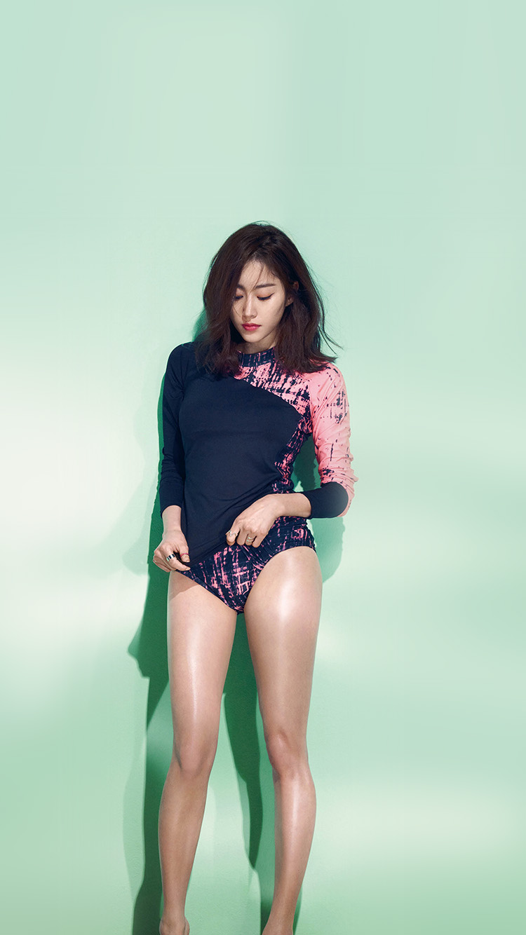 iPhonepapers.com-Apple-iPhone8-wallpaper-hg37-model-rashguard-summer-swim-kpop