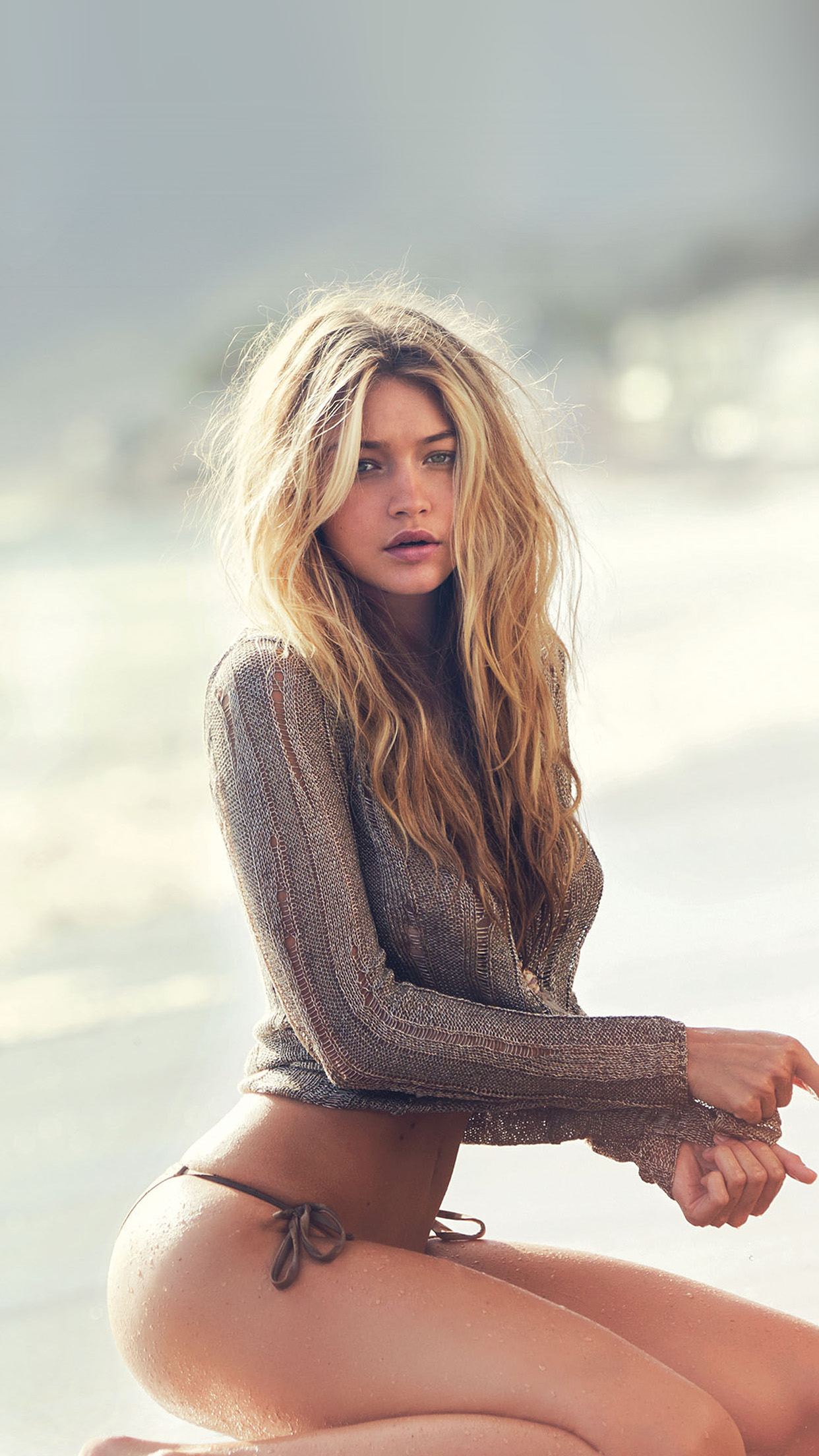 hg38-guess-model-gigi-hadid-summer-sexy - Papers.co