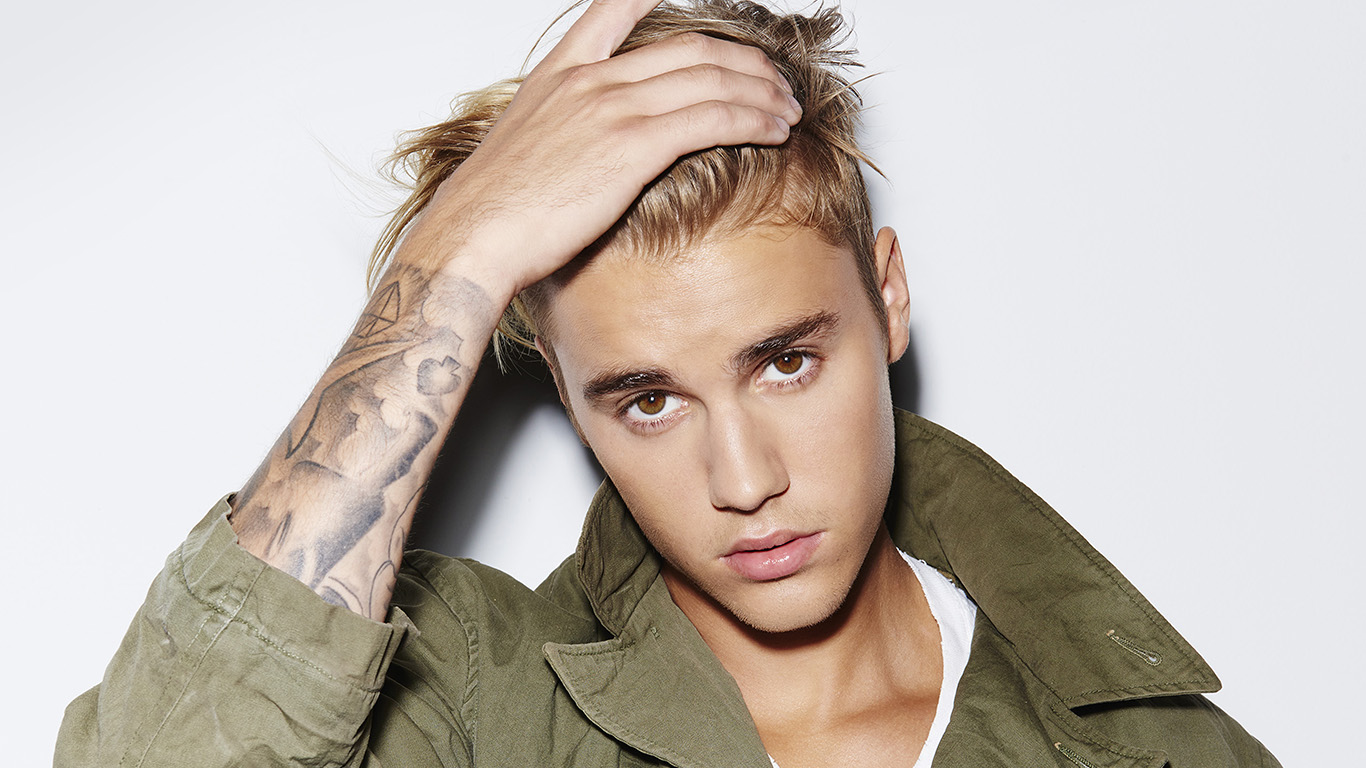 desktop-wallpaper-laptop-mac-macbook-airhg48-justin-bieber-music-singer-celebrity-wallpaper