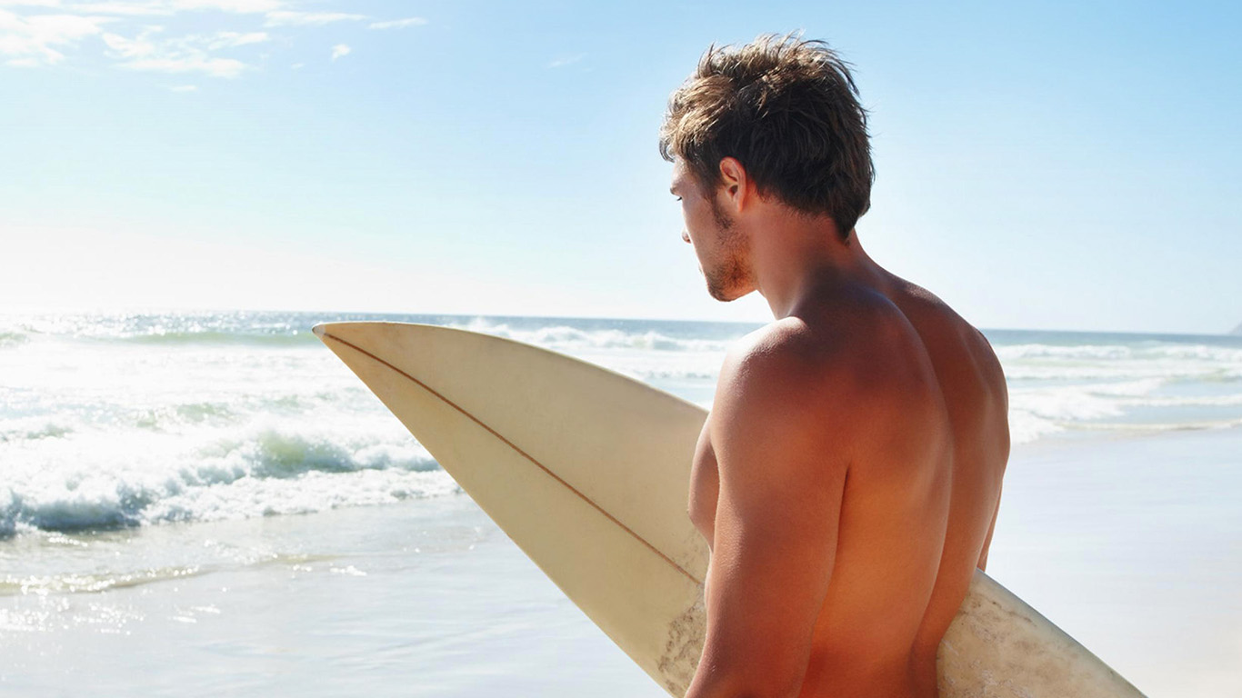 desktop-wallpaper-laptop-mac-macbook-airhg49-surf-boy-sea-vacation-ocean-sunny-summer-wallpaper