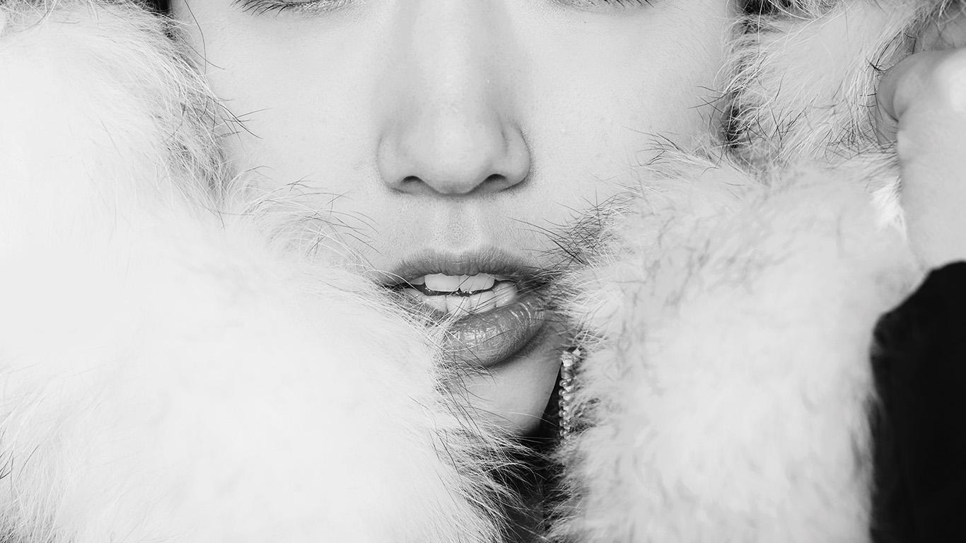 desktop-wallpaper-laptop-mac-macbook-airhg60-kpop-park-shin-hye-actress-beauty-cute-bw-wallpaper