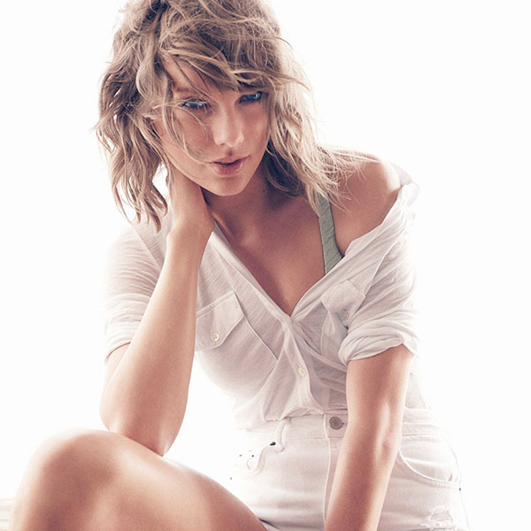 iPapers.co-Apple-iPhone-iPad-Macbook-iMac-wallpaper-hg91-taylor-swift-white-artist-wallpaper