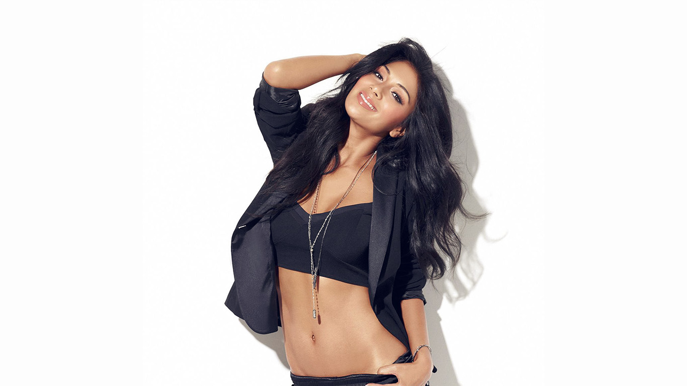 wallpaper-desktop-laptop-mac-macbook-hh06-nicole-scherzinger-music-singer-black-wallpaper