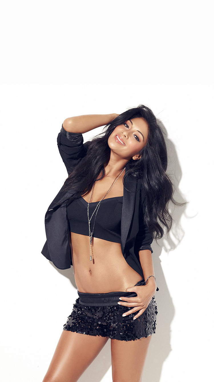 iPhonepapers.com-Apple-iPhone8-wallpaper-hh06-nicole-scherzinger-music-singer-black