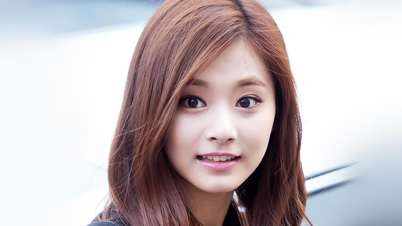 desktop-wallpaper-laptop-mac-macbook-air-hh32-tzuyu-twice-smile-cute-kpop-jyp-wallpaper