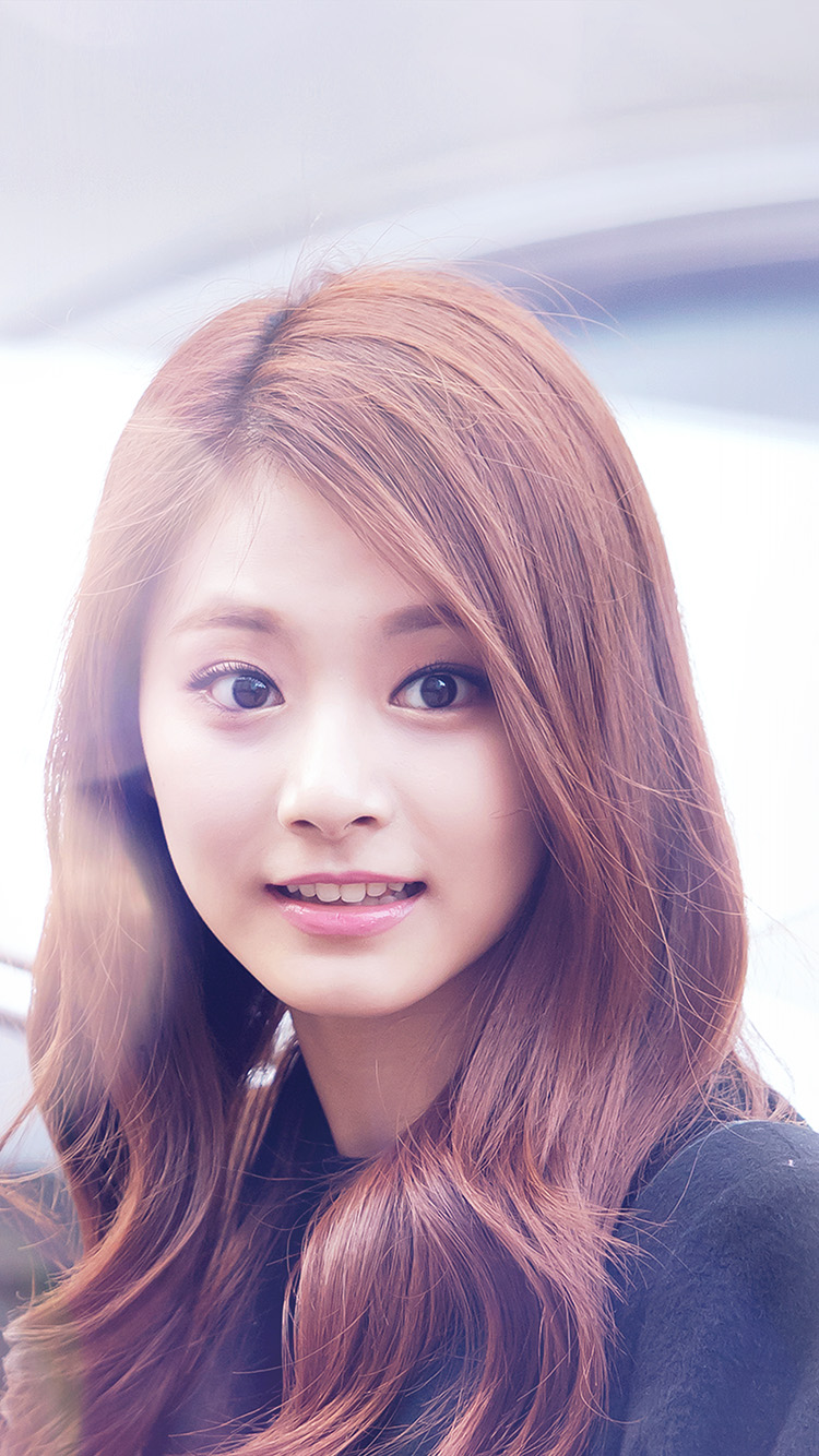 iPhonepapers.com-Apple-iPhone8-wallpaper-hh33-tzuyu-twice-smile-cute-kpop-jyp-flare