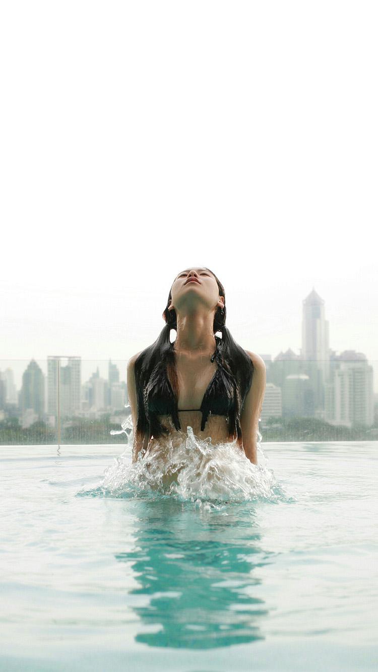 iPhonepapers.com-Apple-iPhone8-wallpaper-hh51-swiming-girl-city-bikini