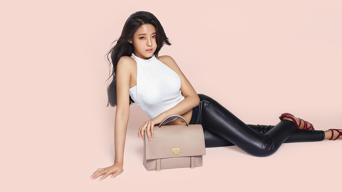 desktop-wallpaper-laptop-mac-macbook-air-hh71-kpop-seolhyun-art-pink-wallpaper