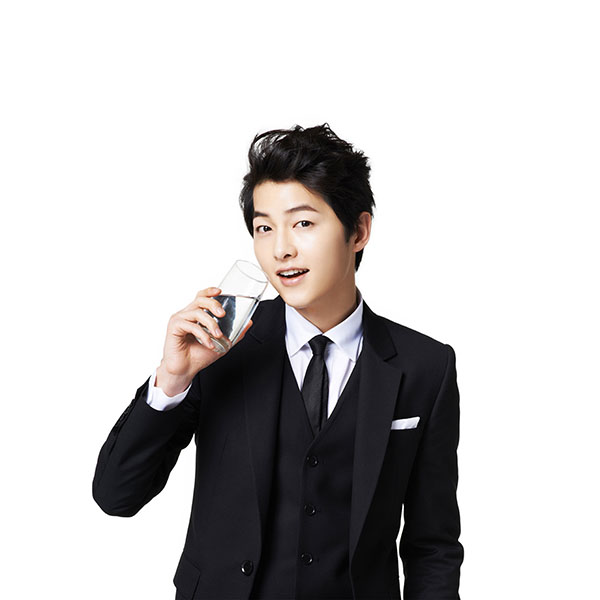 iPapers.co-Apple-iPhone-iPad-Macbook-iMac-wallpaper-hi10-song-joonggi-water-drink-model-kpop-wallpaper