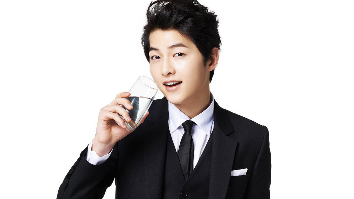 desktop-wallpaper-laptop-mac-macbook-air-hi10-song-joonggi-water-drink-model-kpop-wallpaper