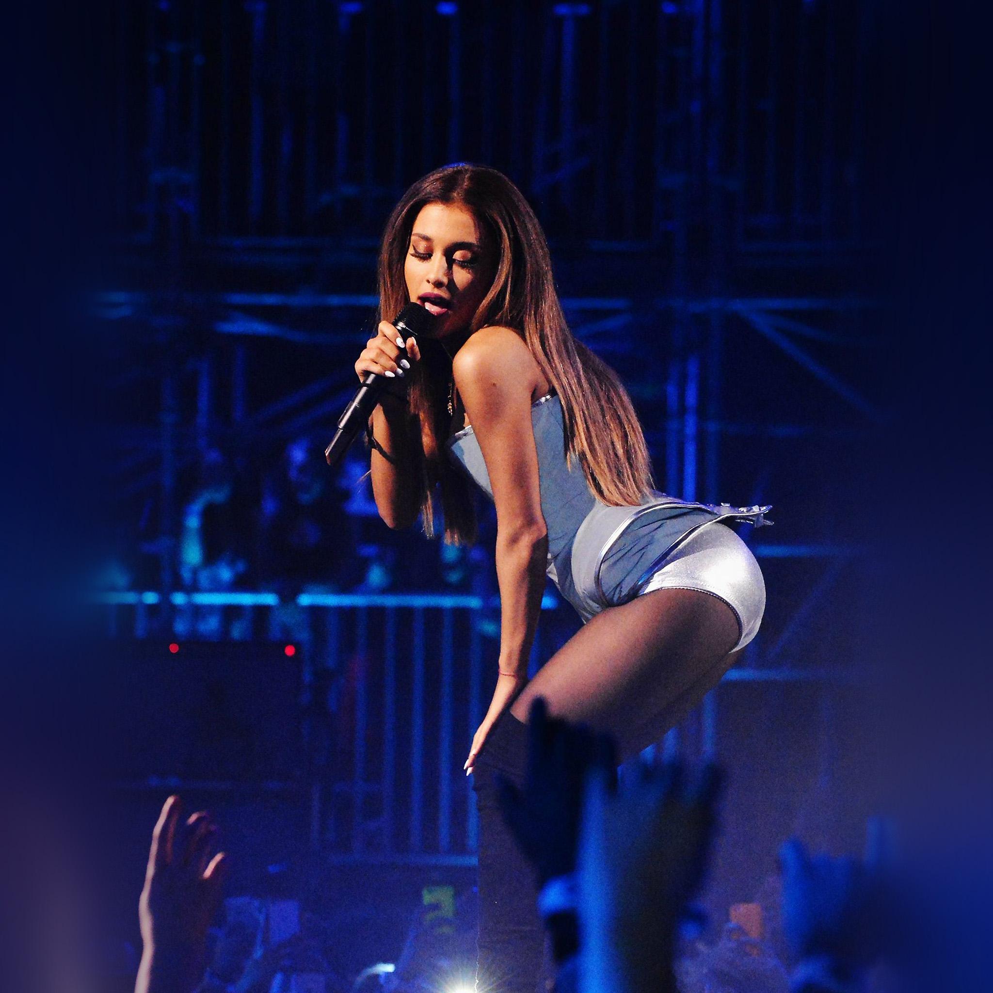 Ariana Grande Christmas Wallpaper: Hi34-ariana-grande-music