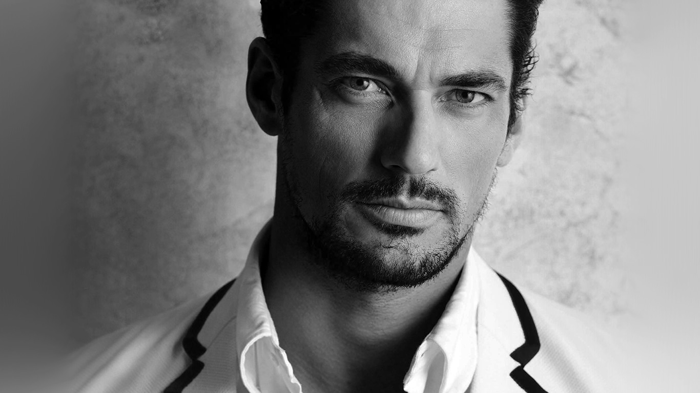 desktop-wallpaper-laptop-mac-macbook-air-hi36-david-gandy-handsome-model-bw-dark-wallpaper