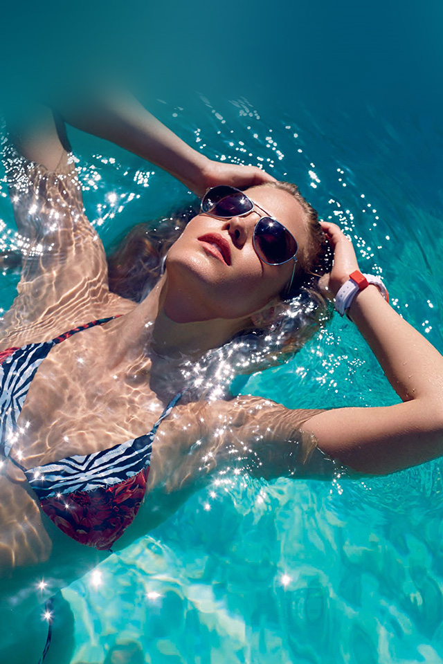 Hi46 Swim Summer Bikini Model Water Wallpaper