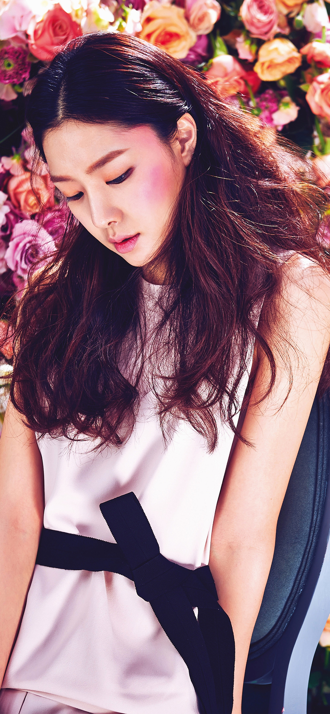 iPhoneXpapers.com-Apple-iPhone-wallpaper-hi52-spring-kpop-flower-art-model