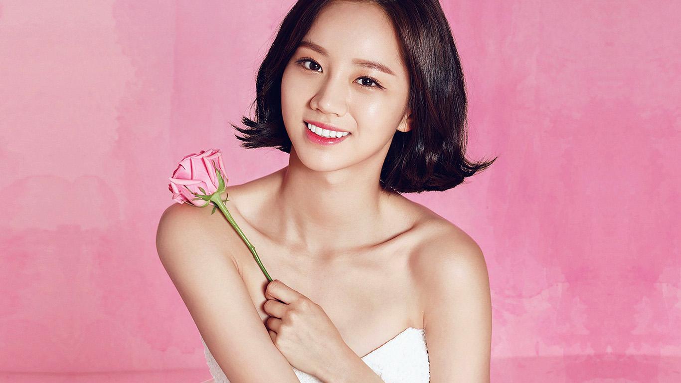 desktop-wallpaper-laptop-mac-macbook-air-hj06-hyeri-cute-pink-kpop-girl-wallpaper