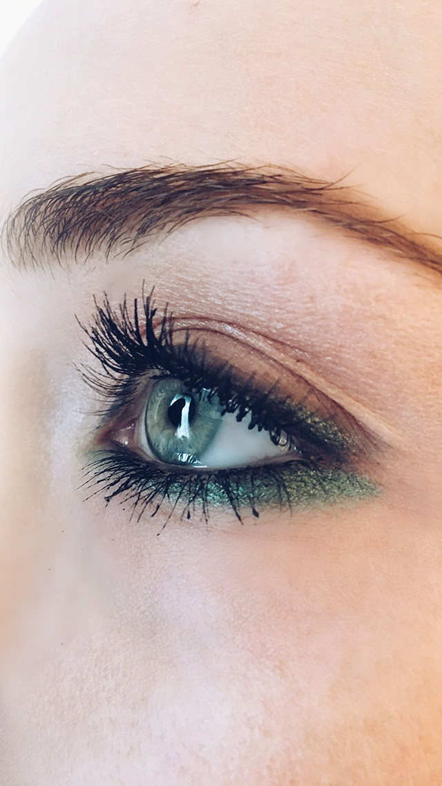 freeios8.com-iphone-4-5-6-plus-ipad-ios8-hj55-eye-closeup-blue-makeup-beauty