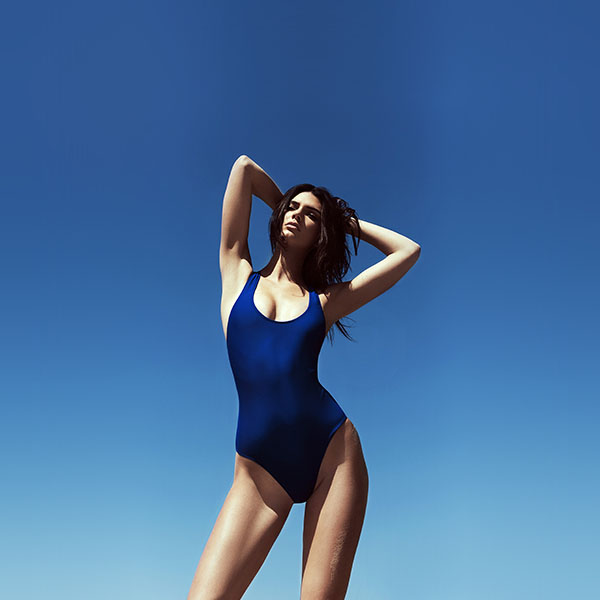 iPapers.co-Apple-iPhone-iPad-Macbook-iMac-wallpaper-hj59-kendall-jenner-blue-bikini-summer-cool-sexy-wallpaper