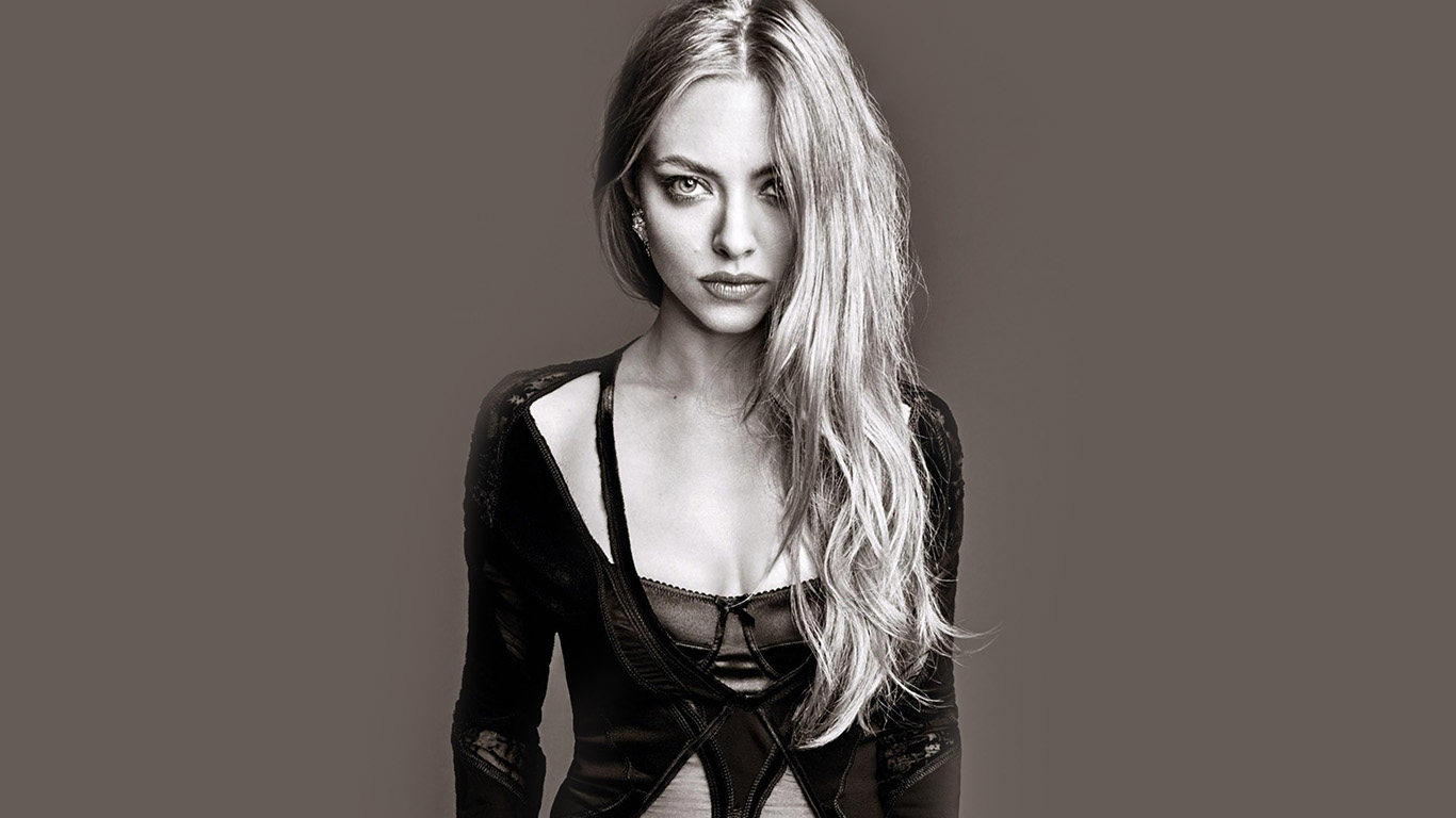 desktop-wallpaper-laptop-mac-macbook-air-hj65-amanda-seyfried-model-brown-wallpaper