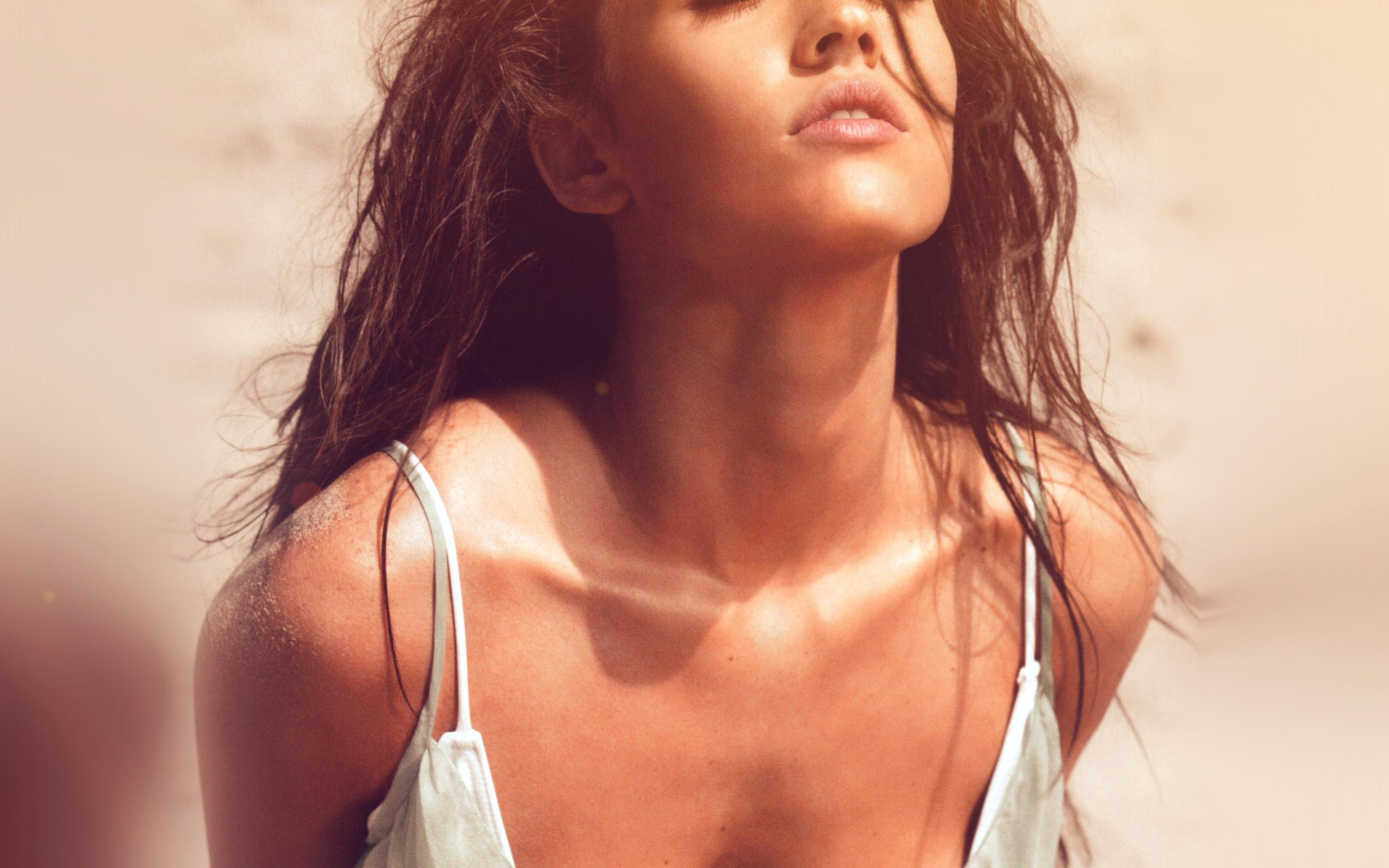 hj71-megan-fox-sexy-swim-summer-girl-flare-wallpaper