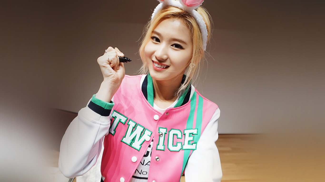 desktop-wallpaper-laptop-mac-macbook-air-hj81-twice-girl-shashasha-pink-cute-sana-wallpaper