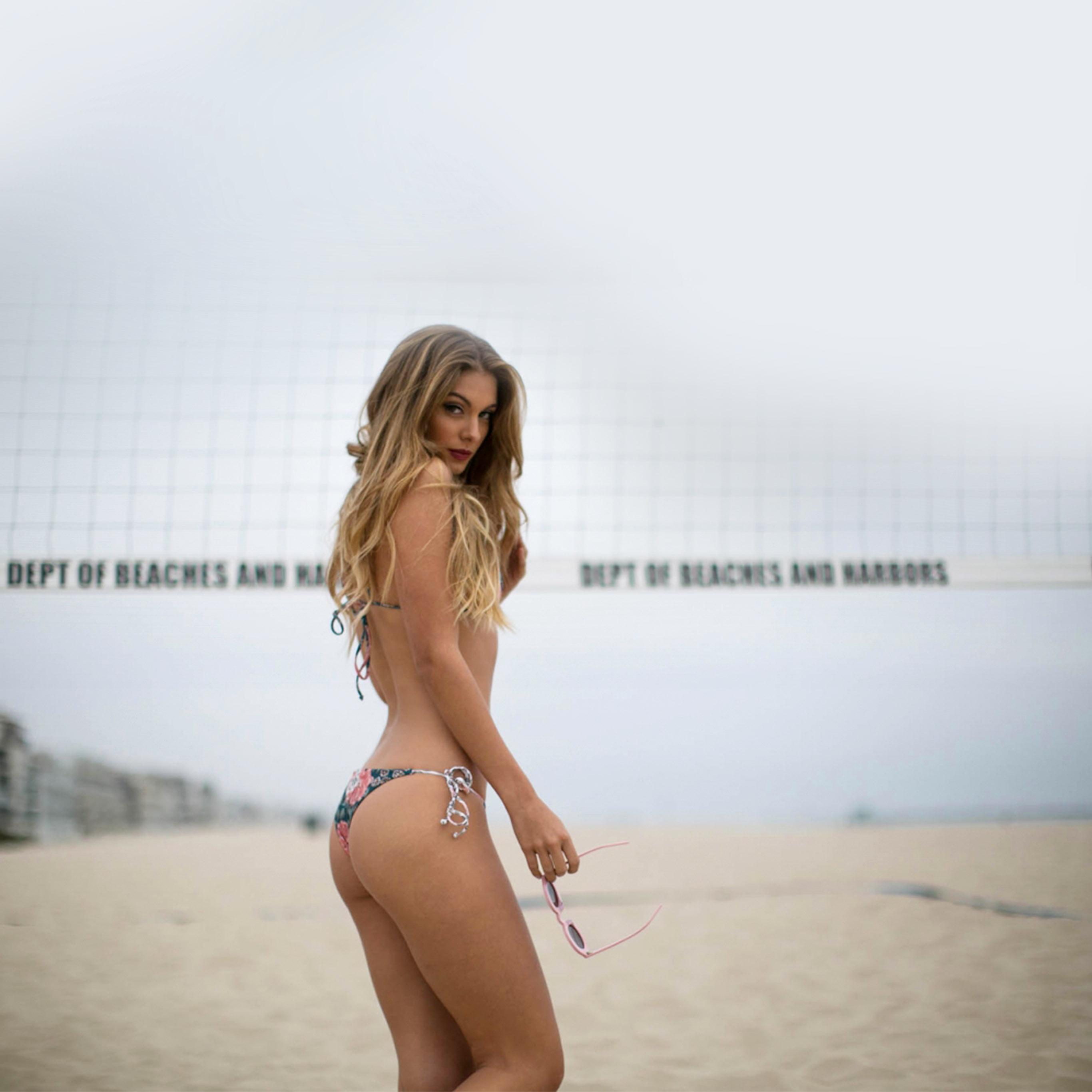 Hj82-camela-rose-beach-sexy-bikini-girl-wallpaper