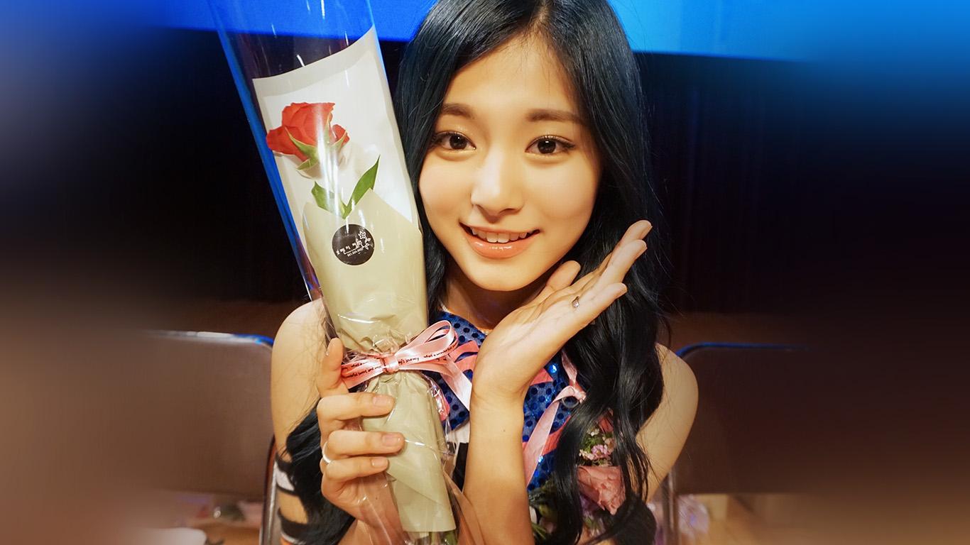 desktop-wallpaper-laptop-mac-macbook-air-hj83-twice-kpop-girl-flower-tzuyu-fan-wallpaper