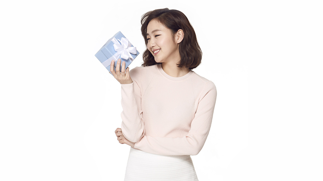 desktop-wallpaper-laptop-mac-macbook-air-hk09-kpop-goeun-gift-photo-celebrity-cute-smile-wallpaper
