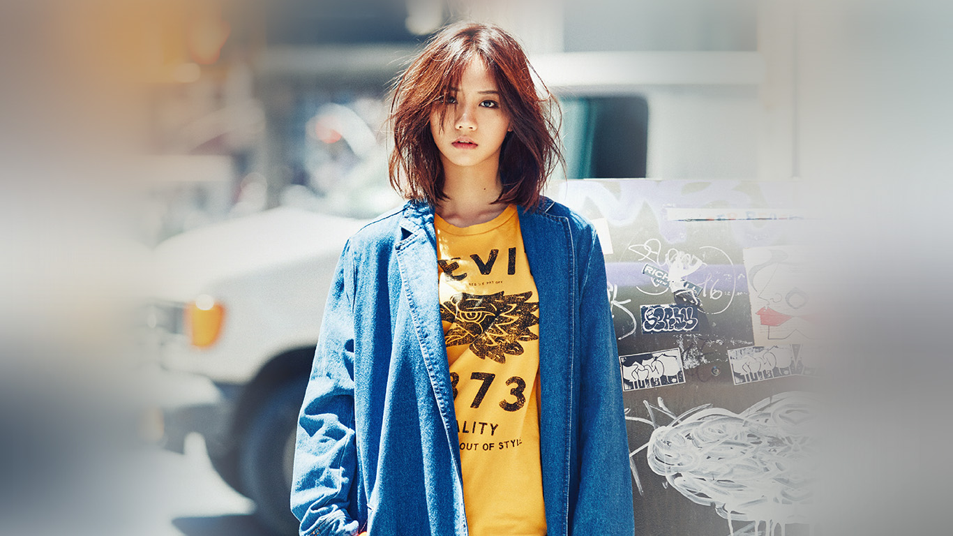 desktop-wallpaper-laptop-mac-macbook-air-hk19-hyeri-kpop-street-red-celebrity-girl-wallpaper