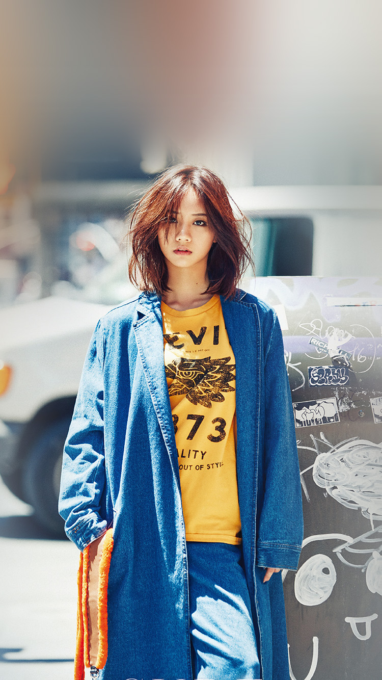 iPhone7papers.com-Apple-iPhone7-iphone7plus-wallpaper-hk19-hyeri-kpop-street-red-celebrity-girl