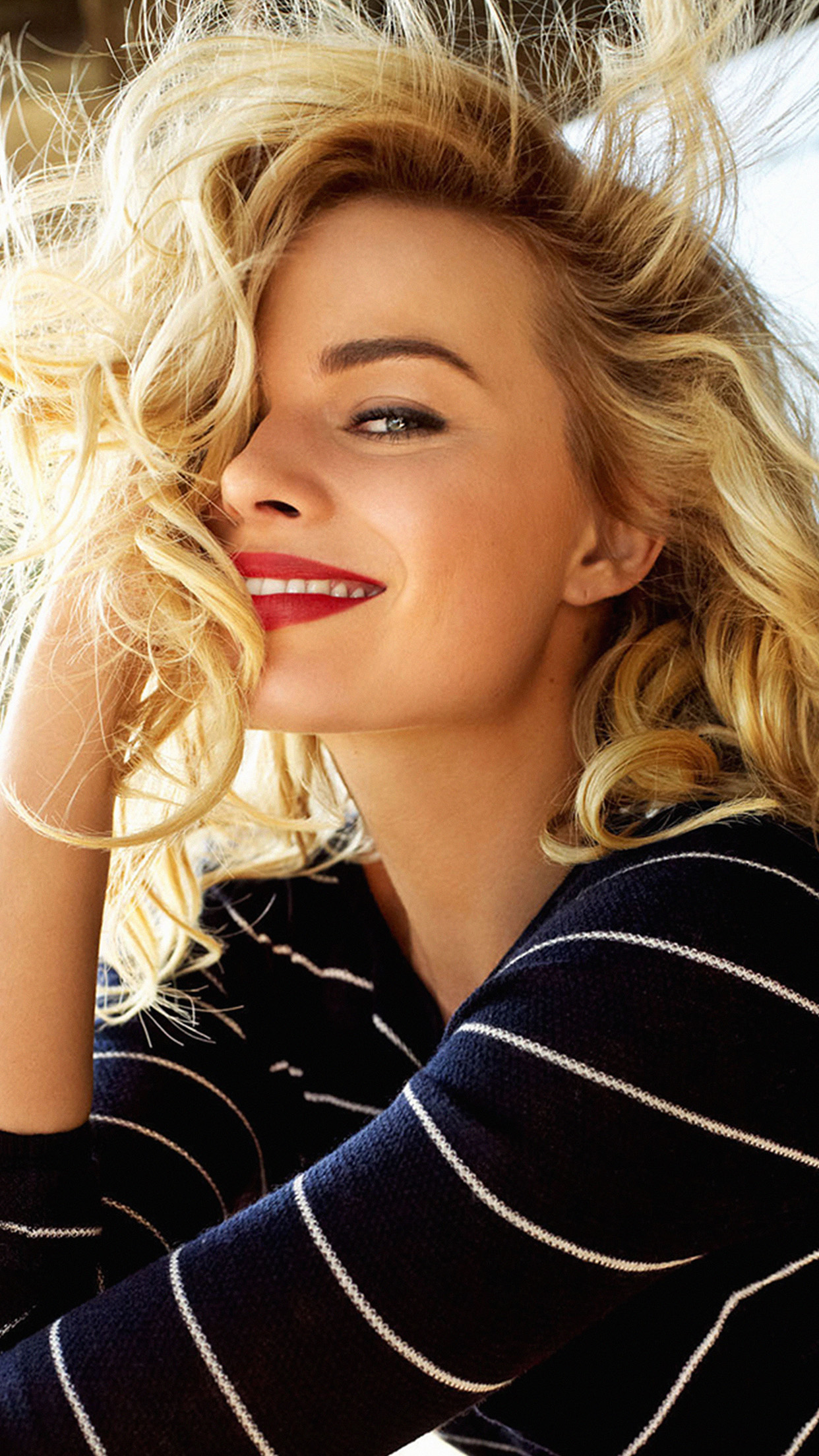 I love papers hk26 margot robbie smile celebrity photo - Celeb wallpapers ...