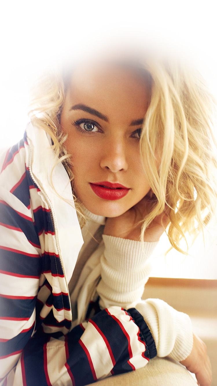 iPhone6papers.co-Apple-iPhone-6-iphone6-plus-wallpaper-hk42-margot-robbie-smile-celebrity-beauty