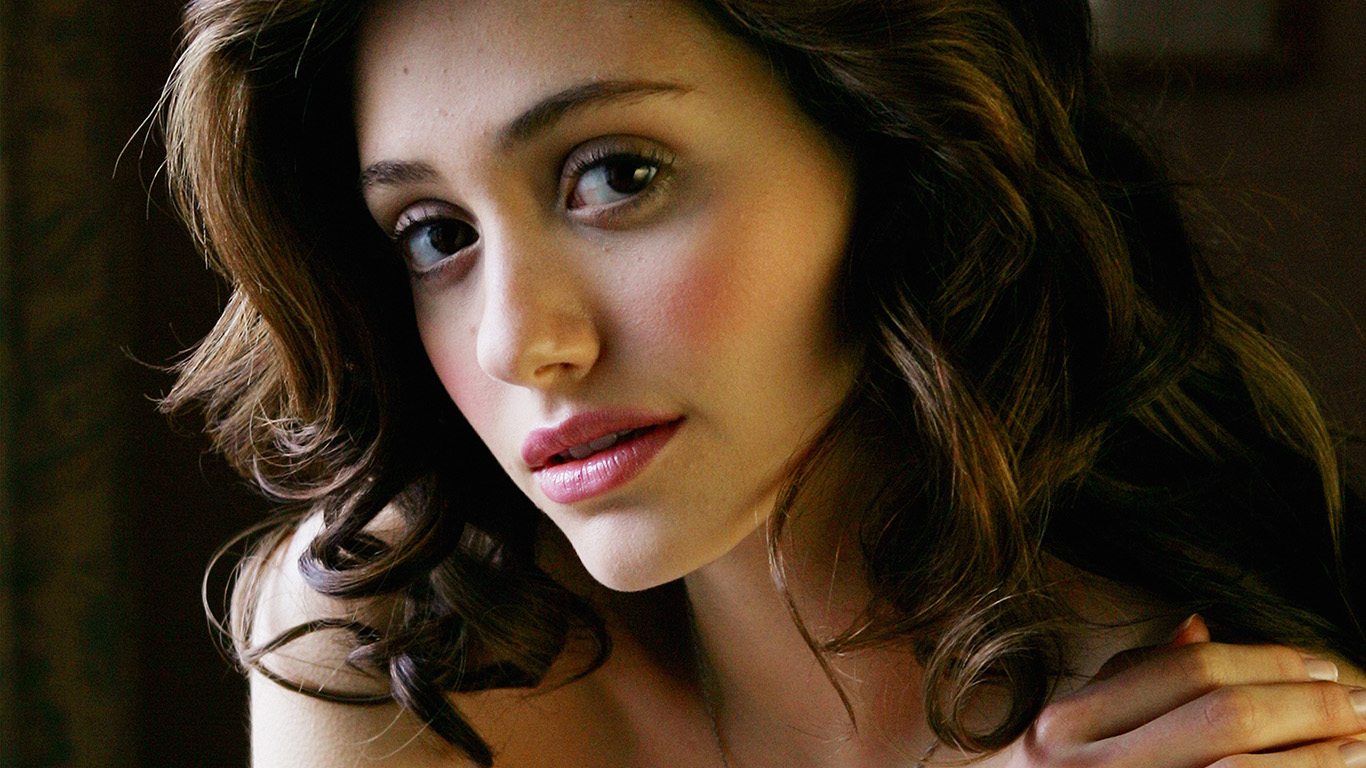 desktop-wallpaper-laptop-mac-macbook-air-hk61-emmy-rossum-actress-girl-beauty-wallpaper