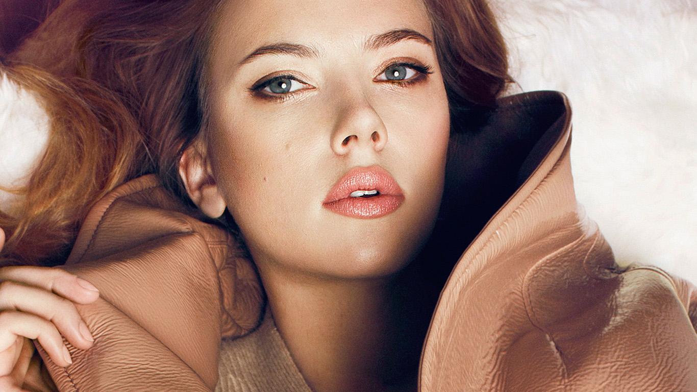 desktop-wallpaper-laptop-mac-macbook-air-hl33-scarlett-johansson-fall-celebrity-actress-wallpaper