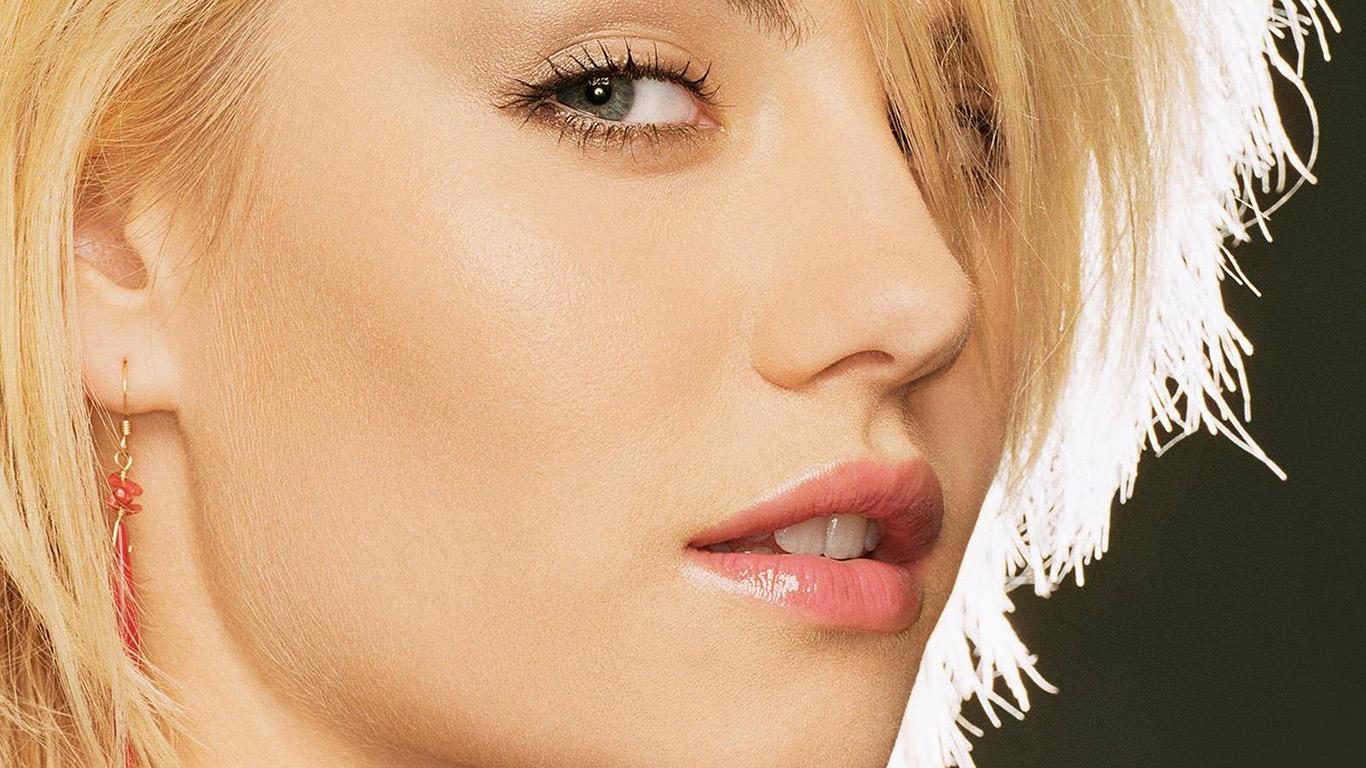 desktop-wallpaper-laptop-mac-macbook-air-hl82-elisha-cuthbert-blonde-girl-celebrity-wallpaper