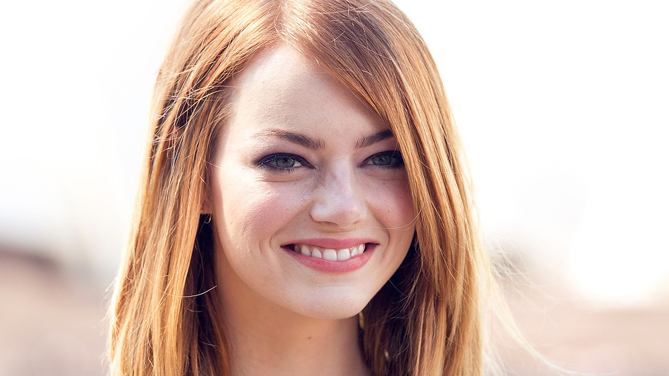 desktop-wallpaper-laptop-mac-macbook-air-hl95-emma-stone-smile-celebrity-film-wallpaper