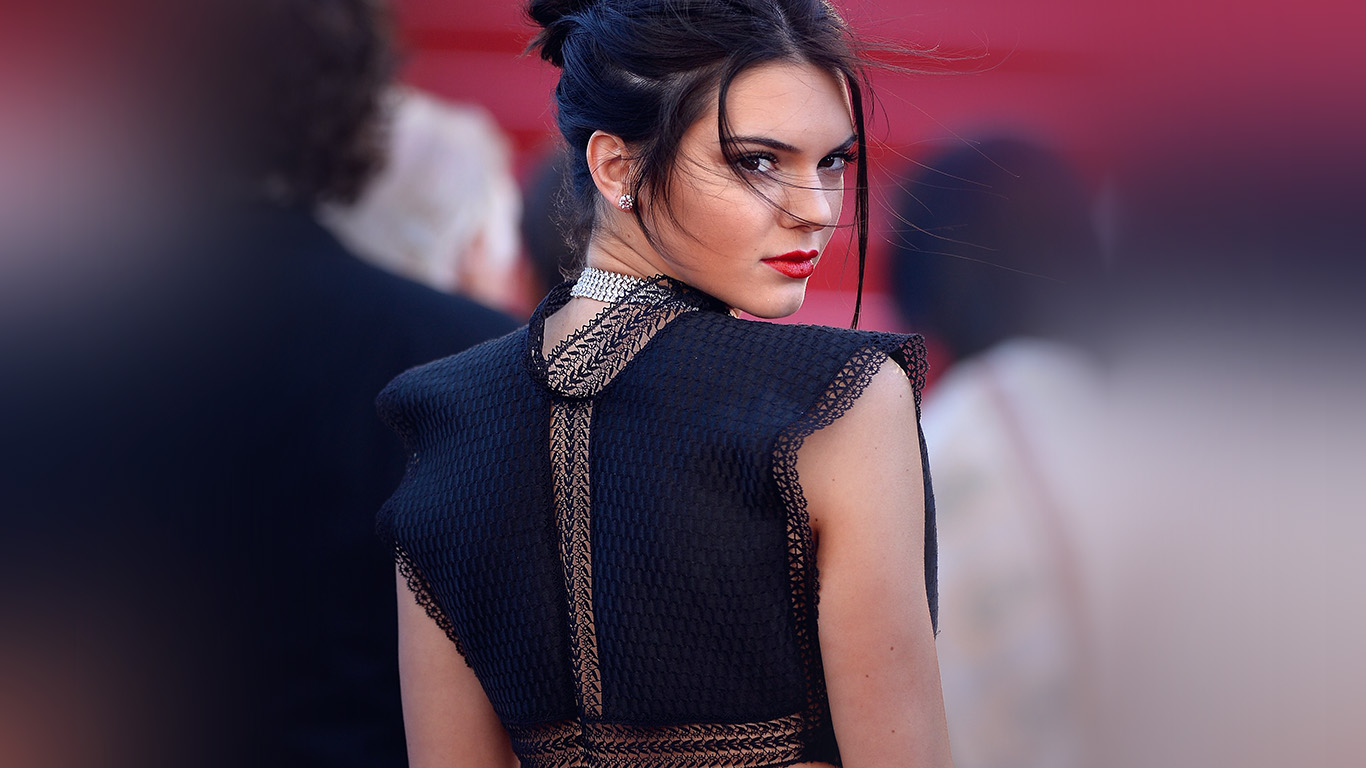 desktop-wallpaper-laptop-mac-macbook-air-hl97-kendall-jenner-red-celebrity-wallpaper