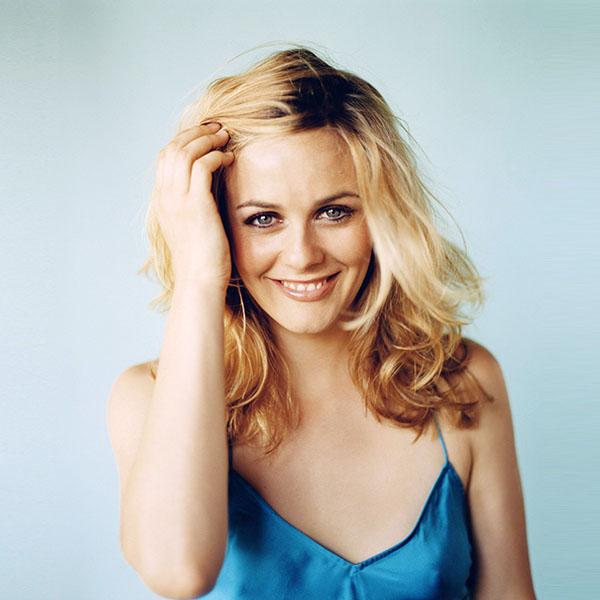 iPapers.co-Apple-iPhone-iPad-Macbook-iMac-wallpaper-hm26-girl-actress-celebrity-blonde-wallpaper