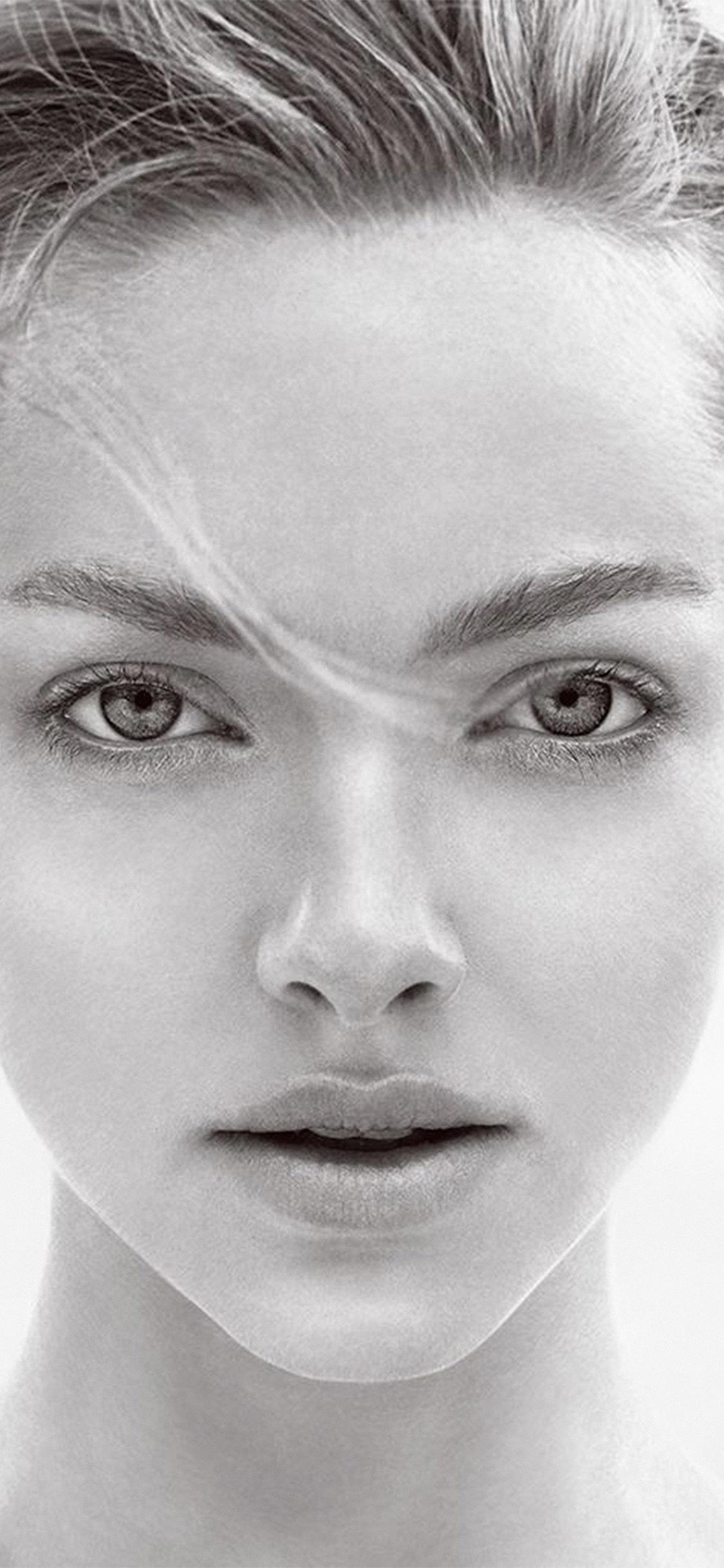 iPhoneXpapers.com-Apple-iPhone-wallpaper-hm30-amanda-seyfried-face-bw-celebrity