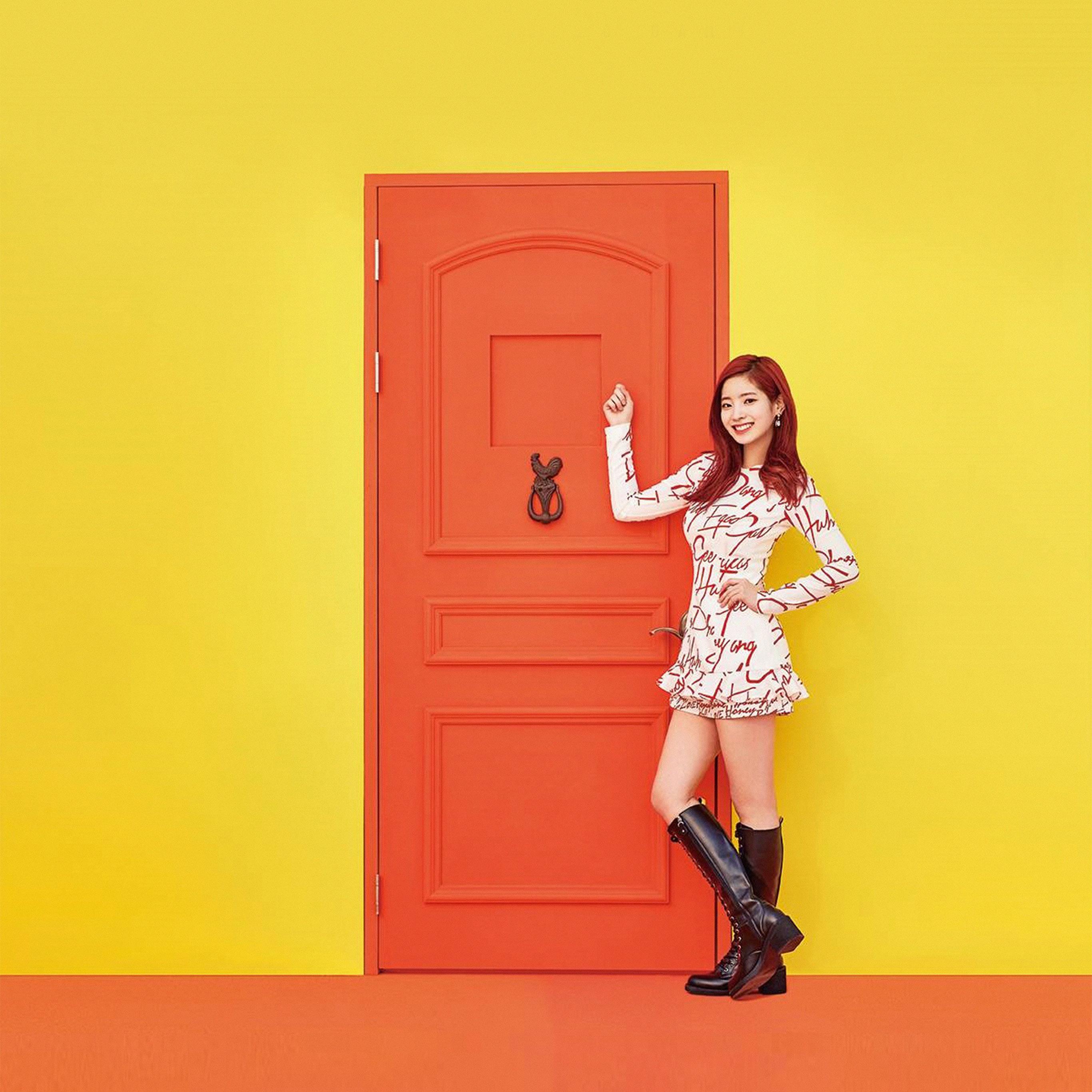 Hm35-yellow-girl-kpop