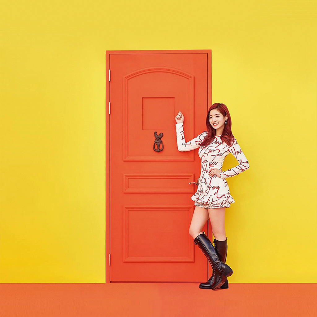 android-wallpaper-hm35-yellow-girl-kpop-twice-orange-wallpaper
