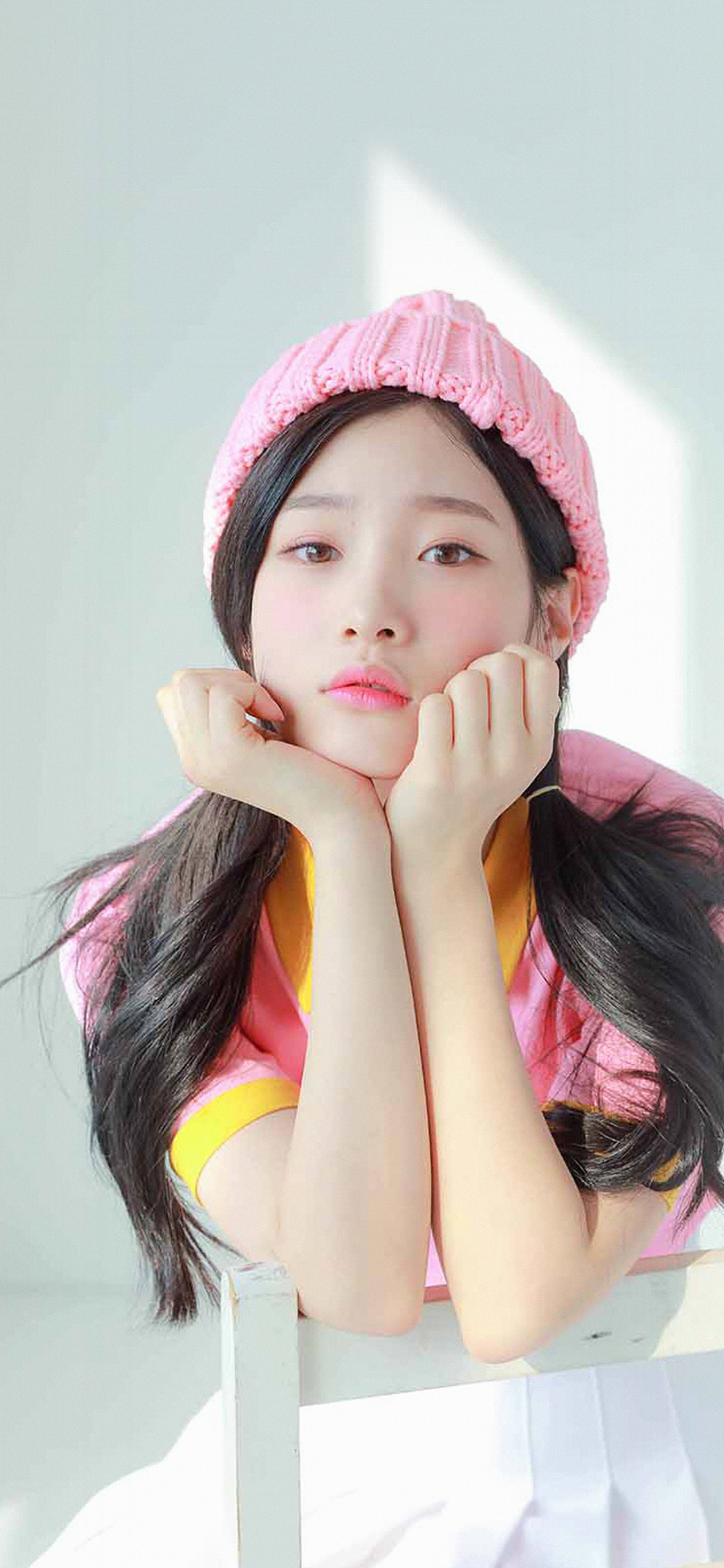 iPhoneXpapers.com-Apple-iPhone-wallpaper-hm45-ioi-chaeyeon-girl-pink-white-asian