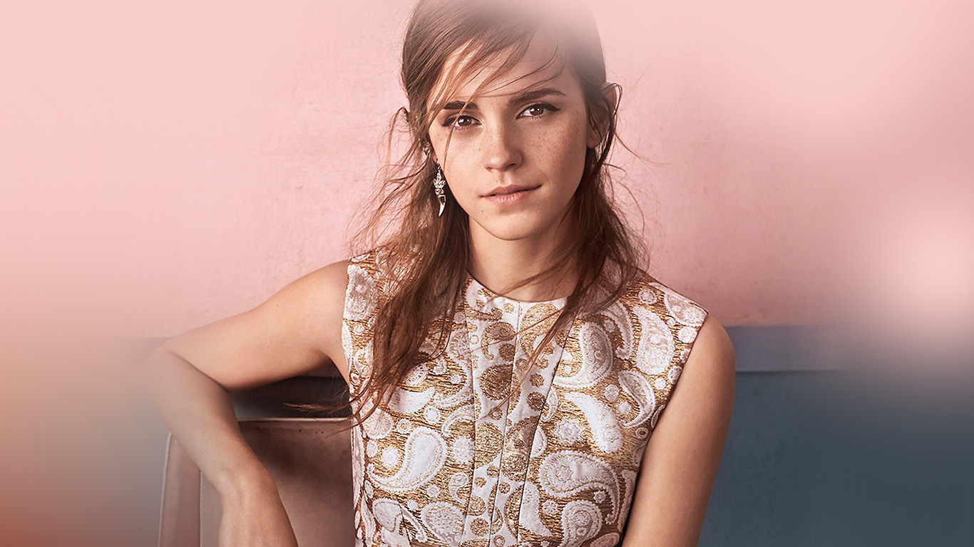 desktop-wallpaper-laptop-mac-macbook-air-hm73-emma-watson-pink-pose-actress-girl-wallpaper