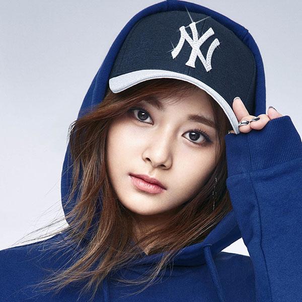 iPapers.co-Apple-iPhone-iPad-Macbook-iMac-wallpaper-hm79-tzuyu-kpop-girl-idol-face-wallpaper