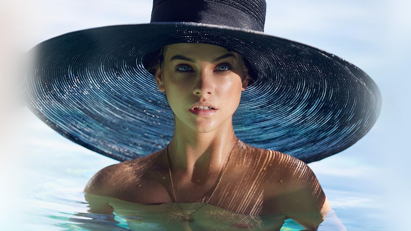 desktop-wallpaper-laptop-mac-macbook-air-hm87-model-hat-swim-sea-summer-blue-wallpaper