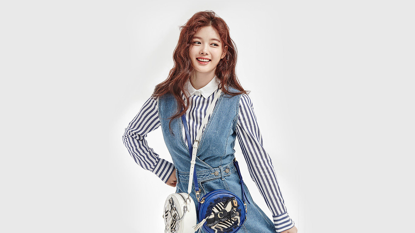 desktop-wallpaper-laptop-mac-macbook-air-hm92-kpop-girl-yoojung-cute-wallpaper
