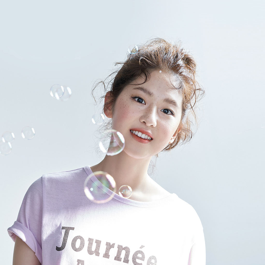 wallpaper-hn18-ceci-kpop-girl-cute-bubble-wallpaper