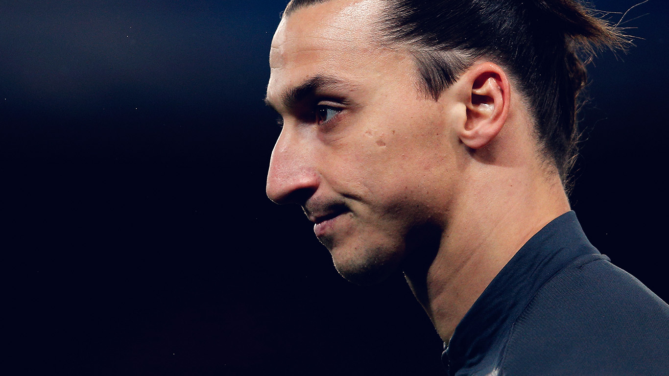 desktop-wallpaper-laptop-mac-macbook-air-hn28-soccer-manchester-zlatan-ibrahimovic-sports-wallpaper