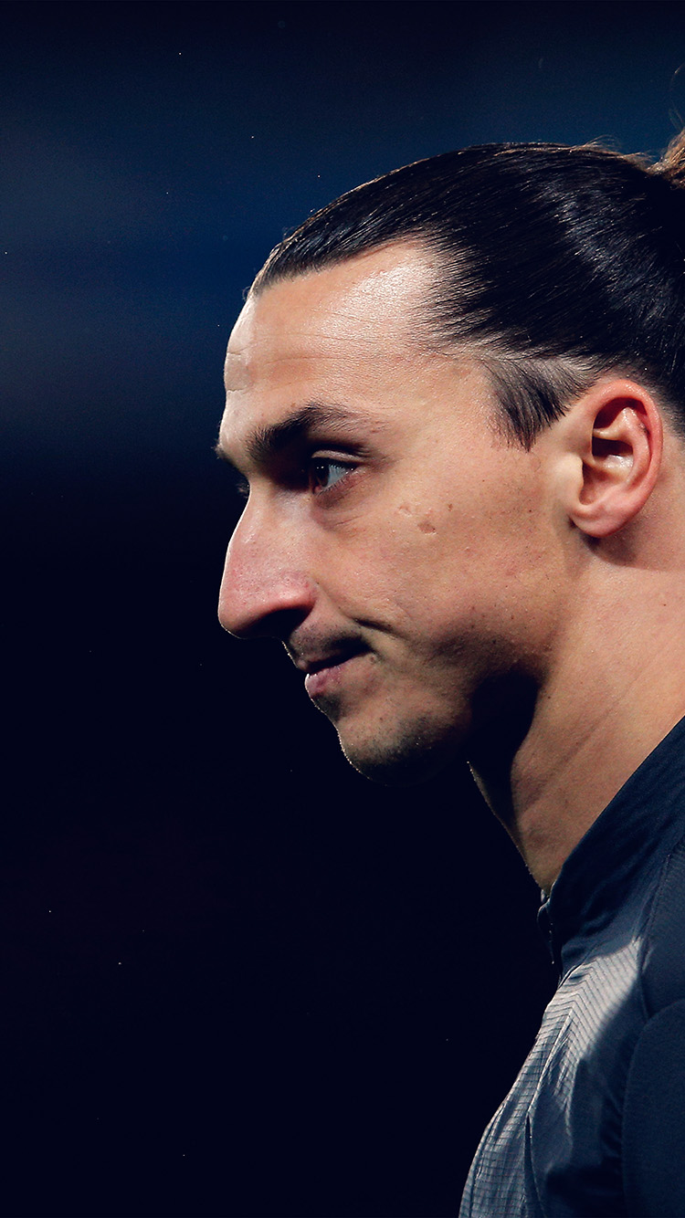 iPhone7papers.com-Apple-iPhone7-iphone7plus-wallpaper-hn28-soccer-manchester-zlatan-ibrahimovic-sports